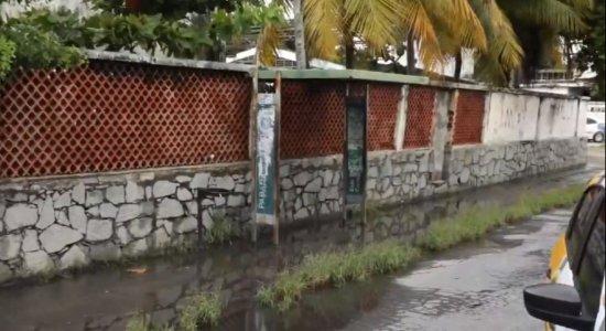Mulher morre ao pisar em caixa de energia e receber descarga elétrica em Olinda