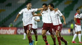 Fluminense entra em campo pela Libertadores
