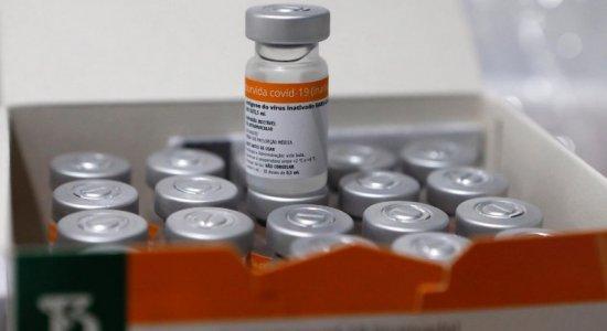 Vacina contra covid-19: Recife volta a adiar aplicação da segunda dose da CoronaVac; veja novo calendário