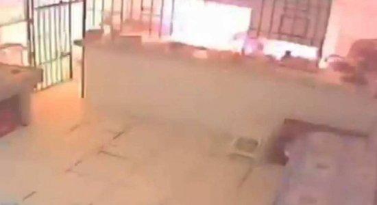 Explosão de gás deixa pessoa ferida e restaurante destruído em Belém; veja vídeo