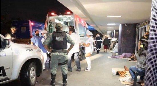 Homem é morto e duas pessoas são baleadas enquanto assistiam a clássico entre Náutico e Santa Cruz em bar no Recife