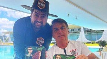 Bolsonaro e o churrasqueiro dos famosos