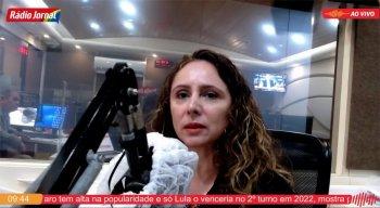 Correspondente Fabíola Góis durante o programa Passando a Limpo