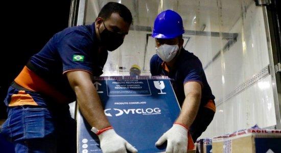Pernambuco recebe segundo lote de vacinas da Pfizer/BioNTech contra a covid-19