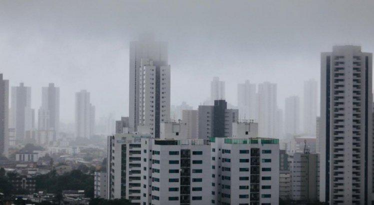 Por causa de pico da maré às 17h, Prefeitura do Recife emite alerta para a população; confira