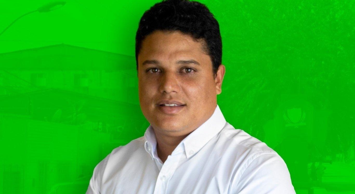 Patrick Moraes assume prefeitura de Itaquitinga