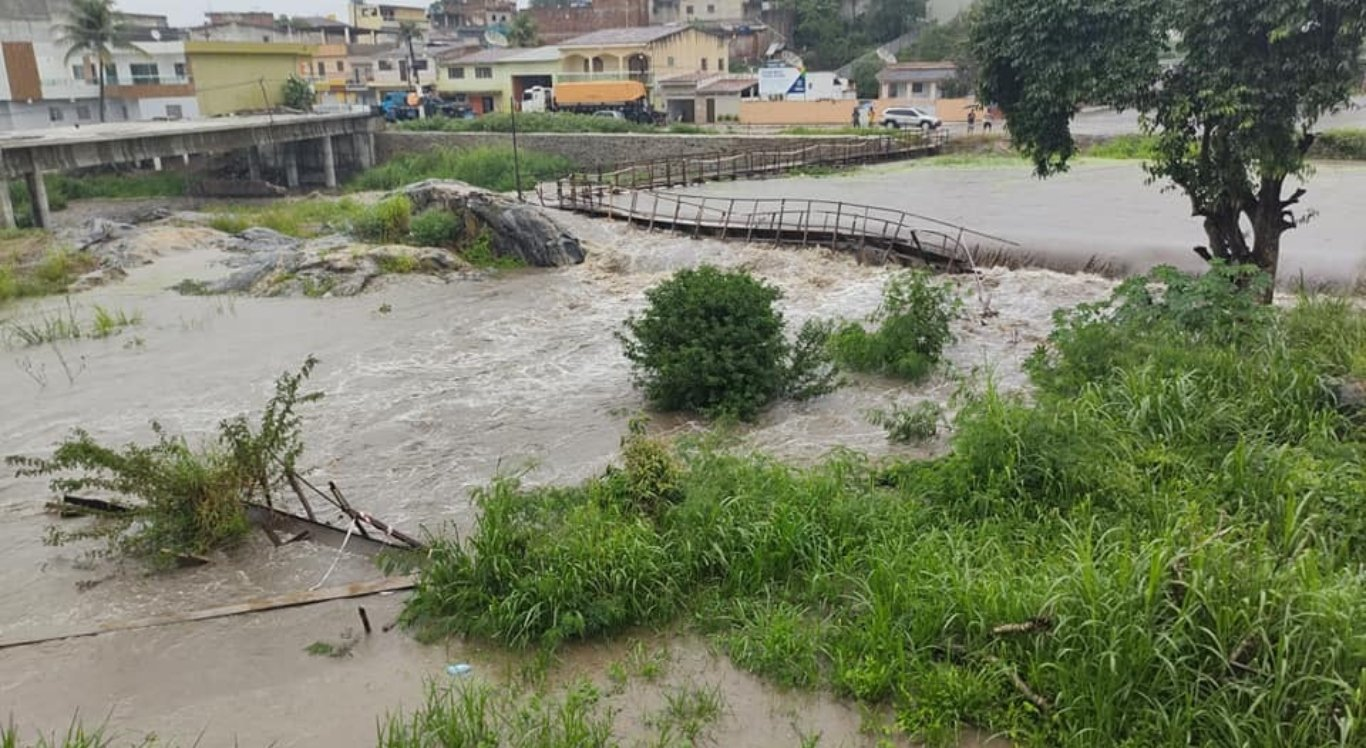 Rio Tracunhaém transbordou