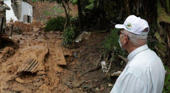 Dom Fernando Saburido cobra medidas para evitar mortes por deslizamento de barreira após tragédia em Jaboatão