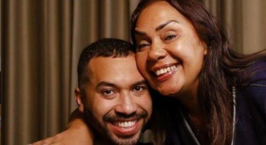 Gilberto Nogueira e sua mãe, dona Jacira Santanna