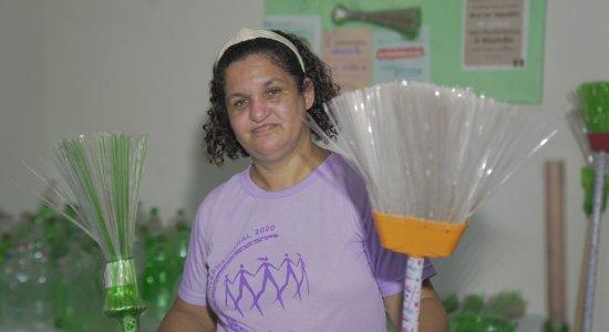 Garrafas pets viram ferramenta para gerar renda para mulheres em Brasília Teimosa