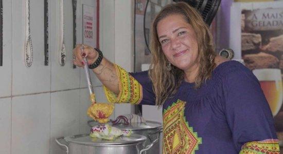 Fotógrafa troca lentes pela gastronomia e faz sucesso com pratos típicos