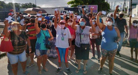 Idosos moradores de Paulista protestam para pedir aplicação da segunda dose da vacina contra covid-19