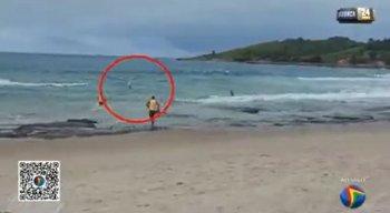 Graças ao trabalho da equipe de Bombeiros, o surfista foi resgatado e passa bem.