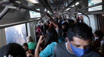 Aglomeração no metrô do Grande Recife