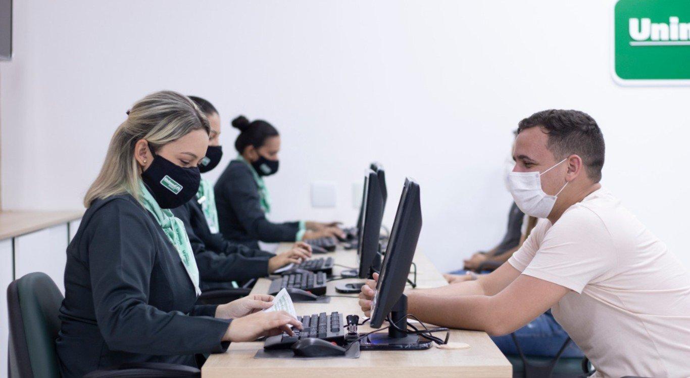 Unimed inaugurou novo laboratório em Caruaru