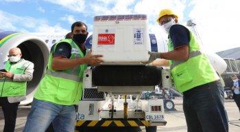 A previsão é que 4.820 trabalhadores portuários e 2.970 aeroviários sejam imunizados no Estado