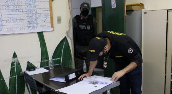 Ministério Público e Polícia Militar cumprem mandados de busca e apreensão na Prefeitura de Águas Belas