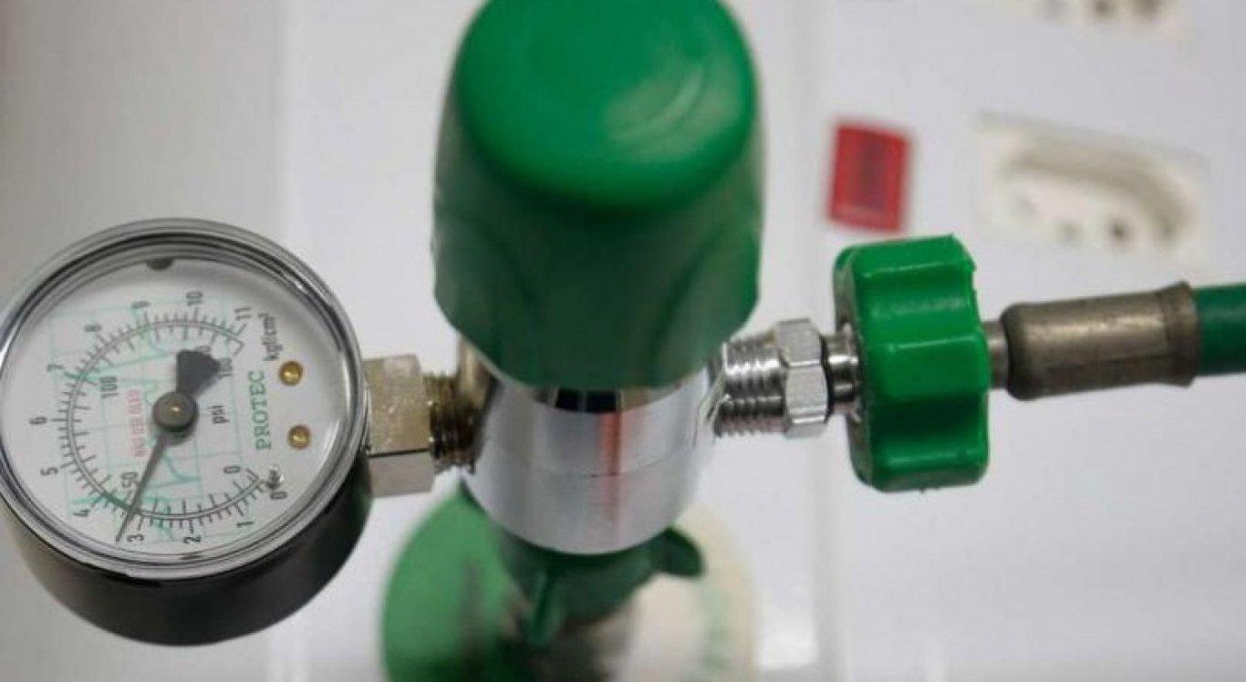 Oxigênio é necessário para auxiliar na respiração de pessoas em tratamento médico pela covid-19