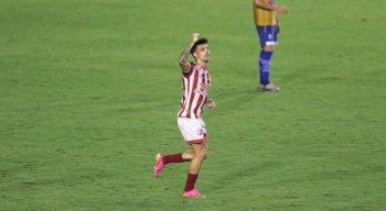 Jean Carlos marcou o gol da vitória do Náutico contra o CSA pela Série B