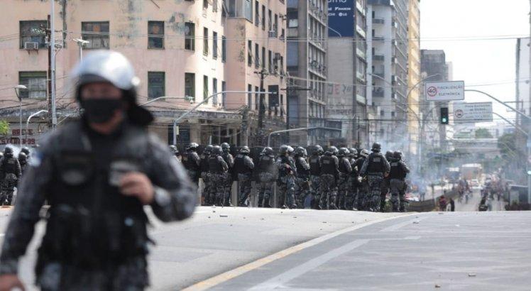 Policiais do Batalhão de Choque utilizaram balas de borracha para dispersar manifestantes