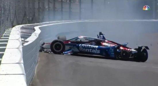 Vídeo: Roda do carro se solta e piloto sofre acidente nas 500 milhas de Indianápolis
