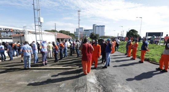 Trabalhadores do Porto de Suape começam a ser imunizados contra a covid-19