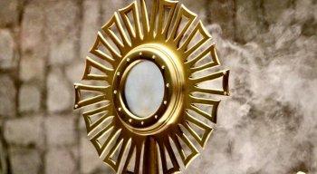 Para os católicos, o dia de Corpus Christi celebra o