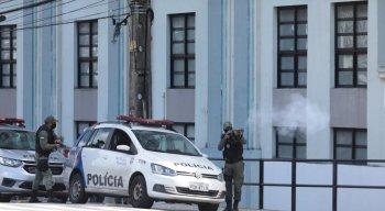 Flagrante de um militar , que seria do 13o BPM, durante passeata. SDS vai investigar a participação de outras unidades na ação
