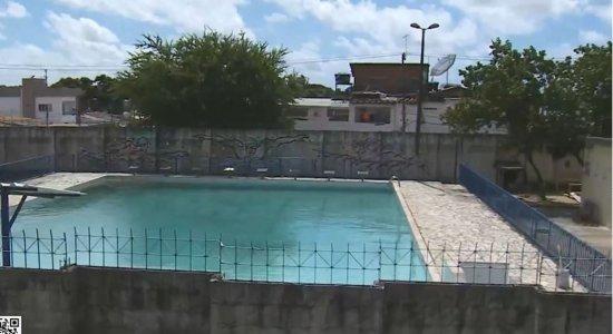 Criança morre ao tentar pular muro para tomar banho de piscina em Rio Doce