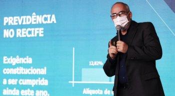 Oanúncio foi feito pela secretária de finanças, Mayra Fischer, e pelo controlador do município Ricardo Dantas