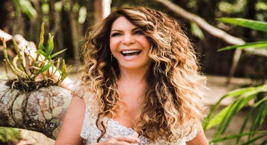 Relembrando o São João, Elba Ramalho lança música com Zélia Duncan