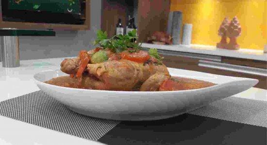Receita deliciosa de Frango de Leite com Pirão do chef Rivandro França