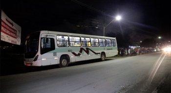 Crime aconteceu dentro de um ônibus em Muribeca, Jaboatão dos Guararapes, no Grande Recife