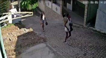 A adolescente vendia cocada com uma irmã para ajudar a mãe com as contas da casa