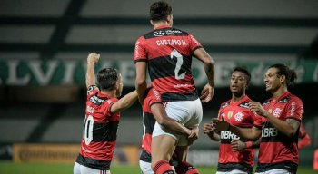 Flamengo vence o Coritiba pela Copa do Brasil