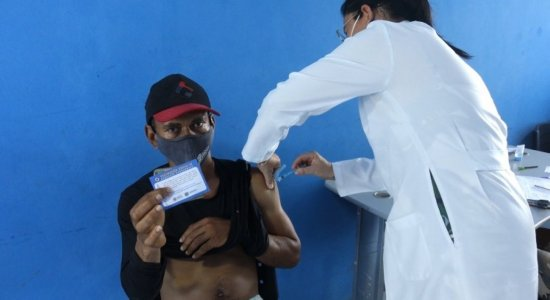 Quantas pessoas já receberam vacina contra a covid-19 em Pernambuco? Veja balanço da imunização
