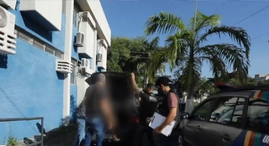 Homem é preso e adolescente é apreendida durante operação na Zona Sul do Recife