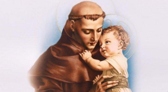 Santo Antônio é lembrado por quem quer um namoro