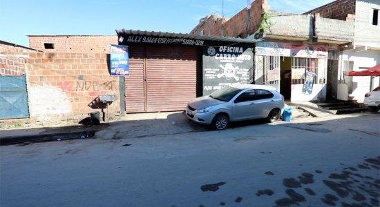 O duplo homicídio aconteceu numa oficina em Jaboatão dos Guararapes.