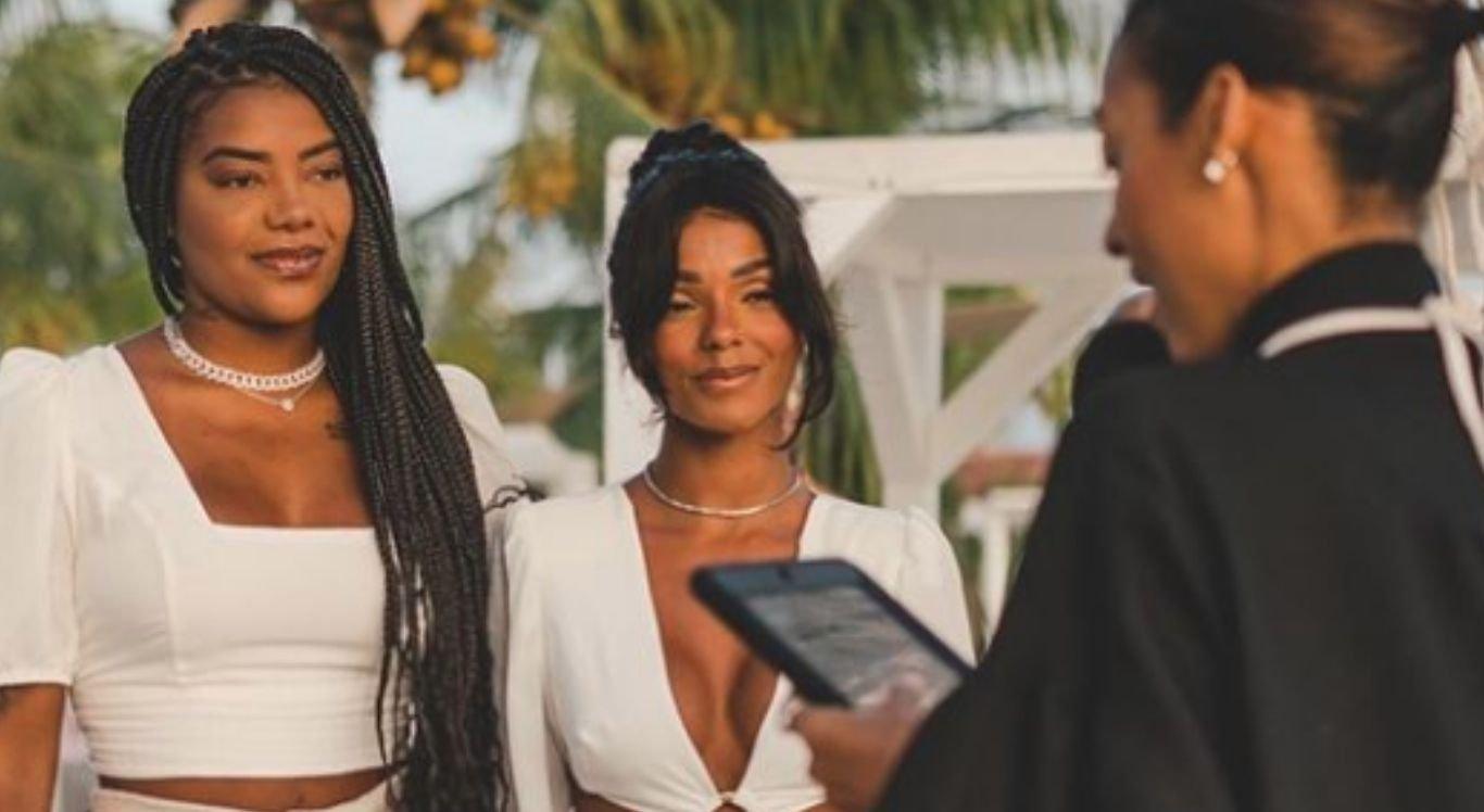 A cerimônia também contou com o casamento da mãe da cantora