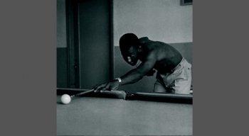 Pelé costumava jogar sinuca nas concentrações da seleção brasileira e do Santos