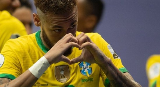Nas redes sociais, Neymar critica brasileiros que torcem contra a seleção