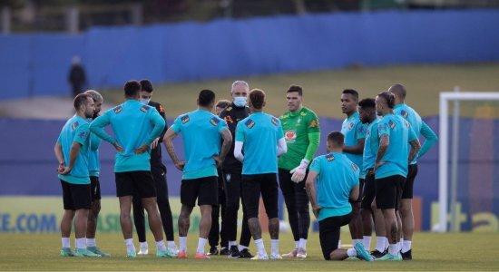 Tite prepara mudanças na seleção brasileira para encarar o Peru