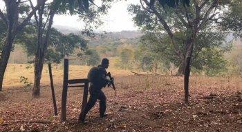 FOTOS: Veja imagens reais da caçada a Lázaro Barbosa; policiais nas matas e córregos, armas, viaturas e até selfie