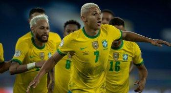 Alex Sandro, Neymar, Everton Ribeiro e Richarlison marcaram os gols da seleção brasileira