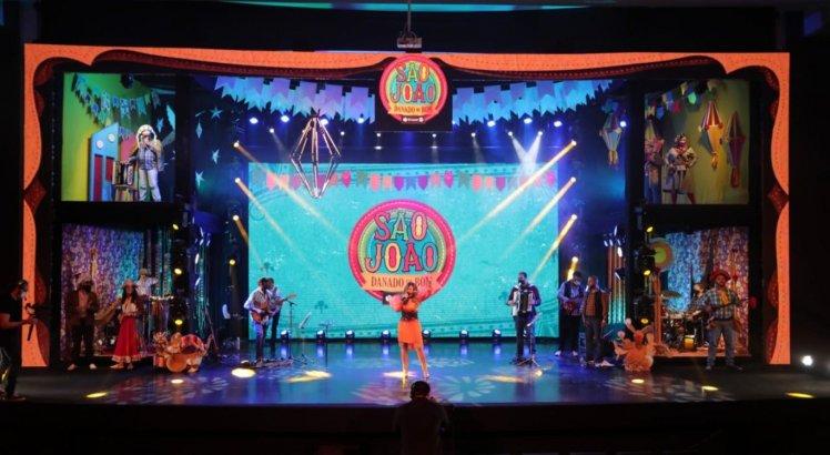 Elba Ramalho se apresentou no palco do Senac Caruaru