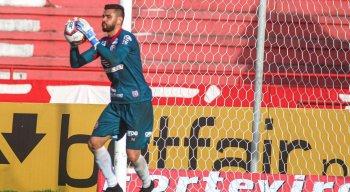 Alex Alves foi o principal destaque na vitória do Náutico diante do Botafogo