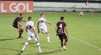 Lucas Batatinha marcou o primeiro gol do Santa Cruz