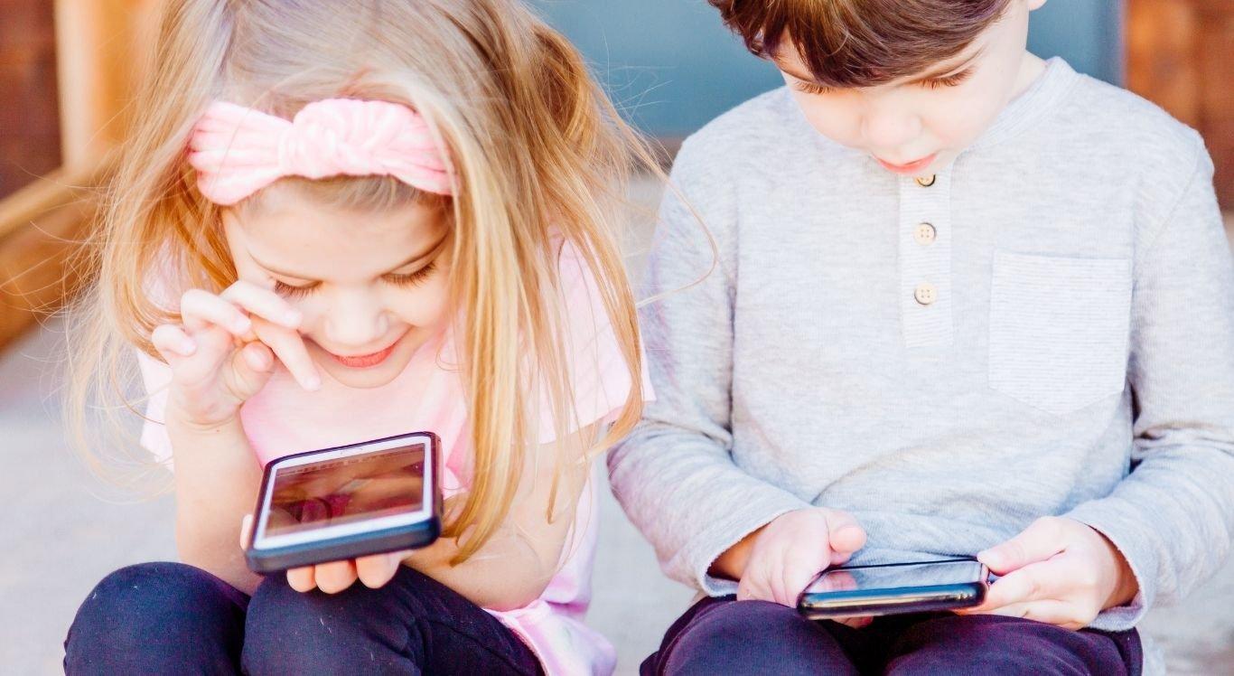 O celular pode ser um aliado dos pais e auxiliar no desenvolvimento infantil