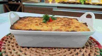 Receita de Escondidinho de Carne de Sol com Creme de Milho preparada pelo chef Rivandro França